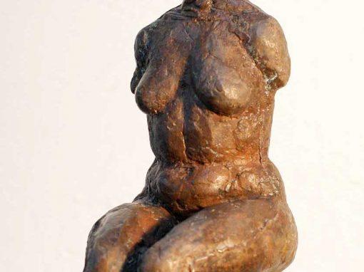 Weiblicher Torso, sitzend